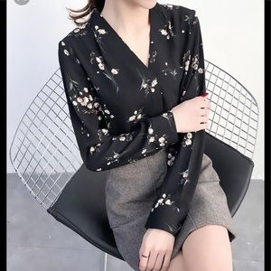 H&M Blouse black with blue and gray flowers